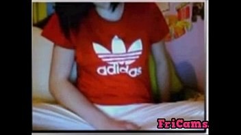 ma sur endormie Teen talks in showing pussy