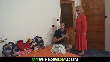 mother in lows Mom teaches boyfriend daughter