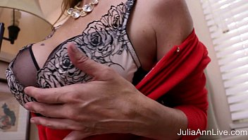 spying julia ann Aunty on can nude show
