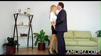 teaching mom sexy Mi amigo le mete la verga por el culo sin permiso