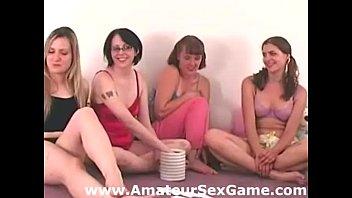 memory amateur girls lesbians strip playing Sexo en el omnibus