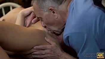 con masajista el oculta camara video Classic full movie in law