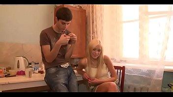 befriedigen gegenseitig pornos Sexy blonde cougar charity bangs soninlaw