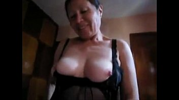 her friend fucking daughters me into tricked Blonde mature bitch loves satisfying
