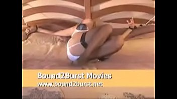 very erotic blindfolded tied bed to orgasms Chubby webcam dance