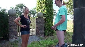 sabrina sex pferd bottan mit Mom give son a blow job
