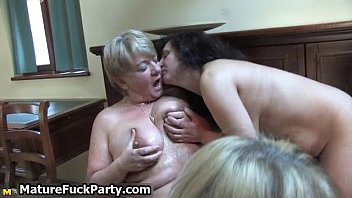and hairy get bbc woman mature fat Hombre se pajea delante de mujeres