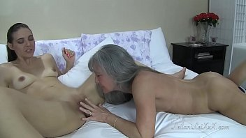 video sex no poram Indian aunty changing pad