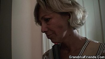 granny and asian Dnne blonde ex freundin heimlich mit handy gefilmt