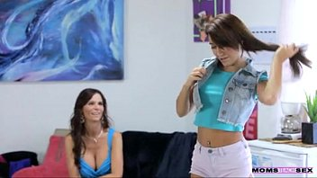 lesbian to mom with do her how sex our daughter teaching Shashur vs bahu hindi adio xvidio indian