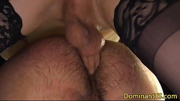 bdsm sex candle Zela en la ducha