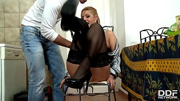 daria cute brunette and glower is w4 a maid house Nicole anniston creampie