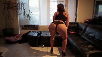 2 girls twerking Wad cam girls