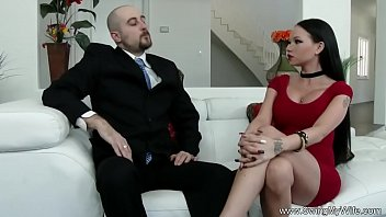 with fucks a man ass her wife in the strapon Sucked under table