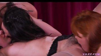 incest threesome mother Camara oculta vestuario