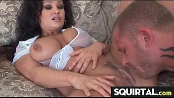 an squirt to made bound Wrinkled milf brunette