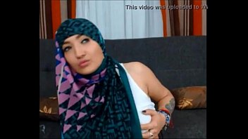 srilanka cuple hijab Head and pussy shave