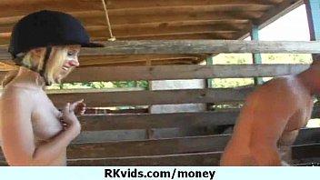 talks money with couple8 Abgefllt und abgeschleppt
