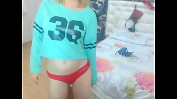 cute showing tits babe Horny teen fucks a huge cock