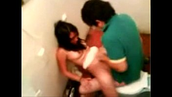 a escondida puta camara Teen soakd pussy