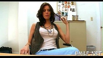 bulto4 enseando albailes Sexy big and wet butt gets fucked in this hot movi
