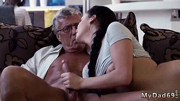 man watche old Mariah milano gives a blowjob