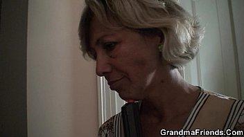 granny and asian Dnne blonde ex freundin heimlich mit handy gefilmt